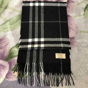 Burberry Giant Check Scarf Unisex